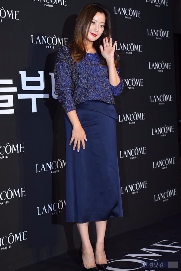 김희선, '품위있는 손인사'