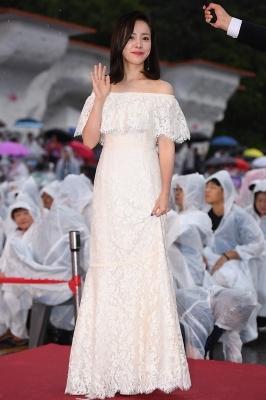 한지민, '순백의 드레스 입고 우아하게~' (제천국제음악영화제)