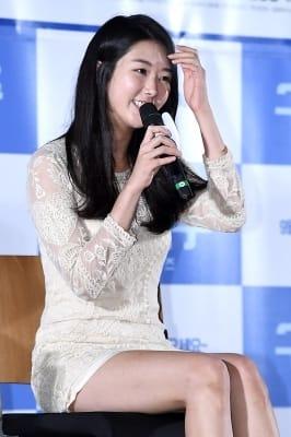 정이연, '수줍은 미소가 아름다워~'