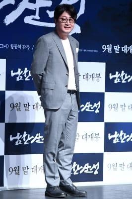 김윤석, '부드러운 모습에 눈길~'
