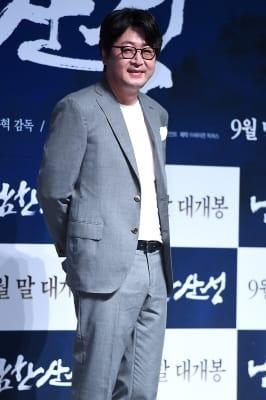 김윤석, '부드러운 미소~'