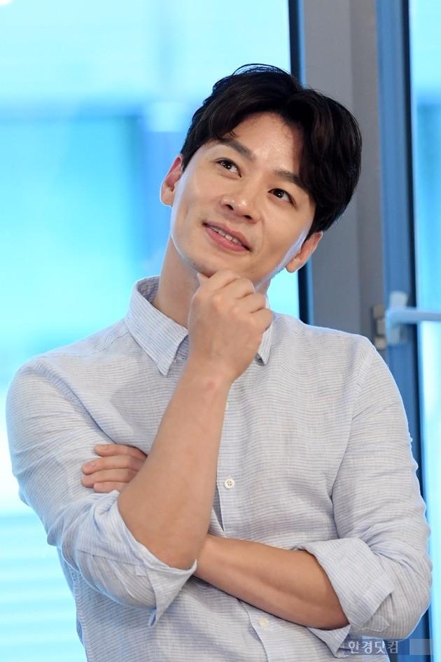 배우 정상훈은 드라마 '품위있는 그녀 ' 종영 후 서울 용산구 이태원 한 카페에서 인터뷰를 진행했다. / 최혁 기자