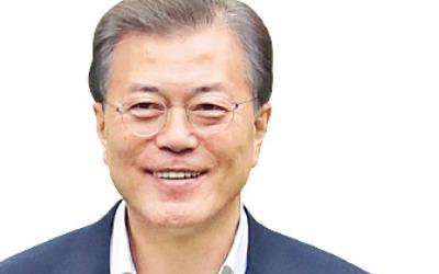 """""""문재인 정부 탈권위 돋보여""""…""""신고리 5·6호기 원전 계속 지어야"""" 76%"""