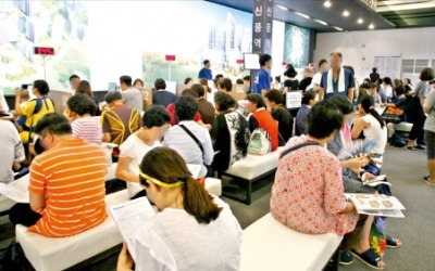 서울 노후주택 70%…'8·2 대책'에도 새 아파트로 몰리는 실수요자
