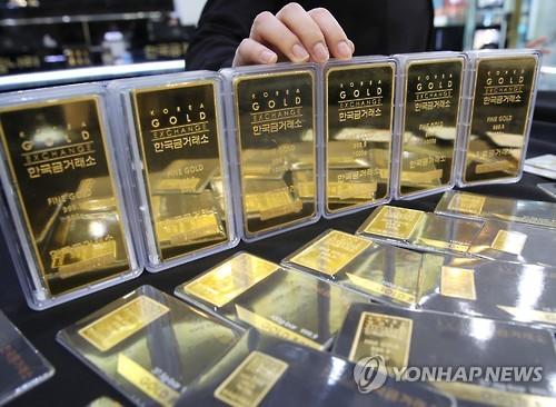 한반도 위기설에 '미니 골드바' 판매량 400% 급증   경제   한경닷컴