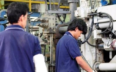 문재인 정부 노동정책 지지도 '최저임금 1만원' 가장 낮아