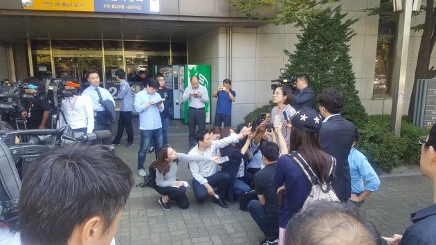 피해자측 김지미 변호사가 재판직후 입장을 밝히고 있다. / 사진=이미나 기자