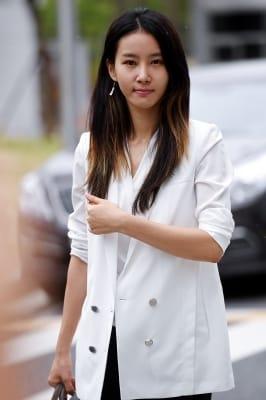 김정민, '굳게 다문 입술'