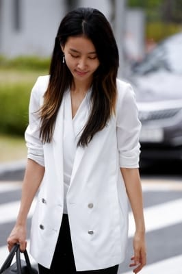 김정민, '핼쑥해진 모습으로'