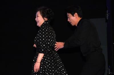 엄마 김해숙 에스코트하는 김래원