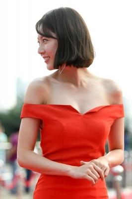 공승연, '깊게 파인 의상 입고'(서울드라마어워즈)