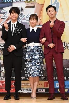 양세종-김재욱, '서현진 사이에 두고 시크한 하트~'