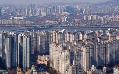 서울 가구소득 4년간 500만원 늘 때 아파트값 9000만원 올라