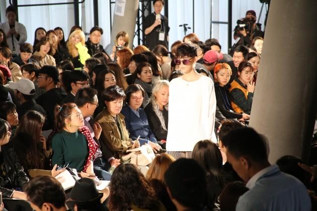 '서울패션위크'에서 첫 런웨이를 선보인 이지원 디자이너의 브랜드 블랭크. /사진=SBA 제공