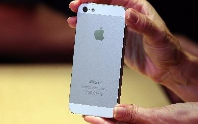 애플, '퀄컴 갑질'에 초강수… 내년 아이폰에 퀄컴칩 배제 추진