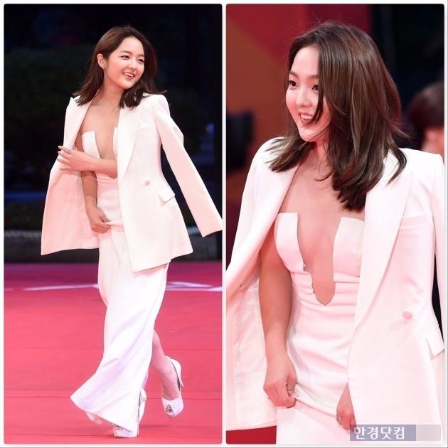 '부산국제영화제' 서신애가 파격적인 드레스로 이목을 집중시켰다. / 사진=최혁 기자