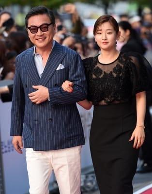 김의성-박소담, '사이좋게 레드카펫 런웨이'(부일영화상)