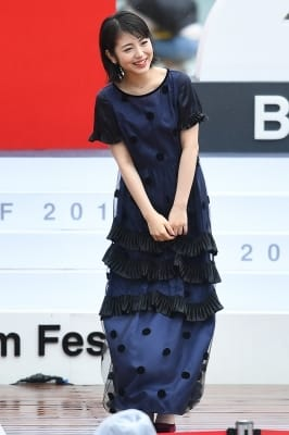 하마베 미나미, '팬들 향한 사랑스러운 인사~' (부산국제영화제)