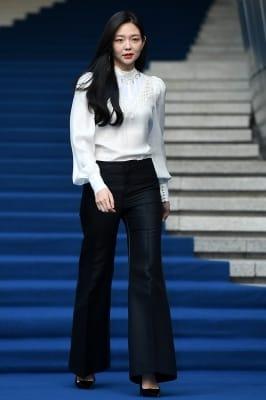 이솜, '우월한 모습으로 등장~' (2018 S/S 서울패션위크)