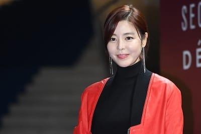 김규리, '감탄을 부르는 화사한 미모~' (2018 S/S 서울패션위크)