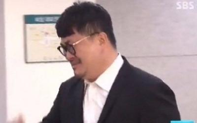 데프콘, 故 김주혁 빈소 들어서며 오열…동료 연예인들 조문 행렬