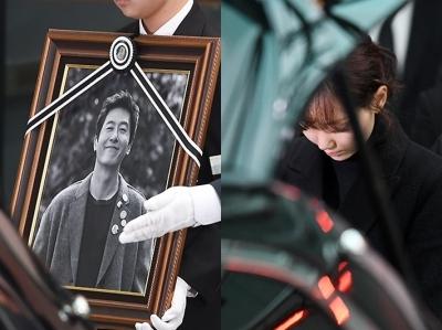 故 김주혁 발인…이유영, '연인 향한 마지막 인사'