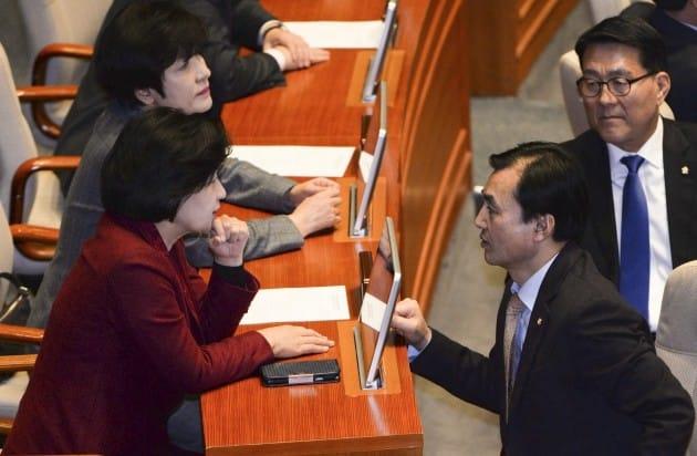 국회가 429조원 규모의 내년도 예산안 심사에 들어간다. ◎한경DB