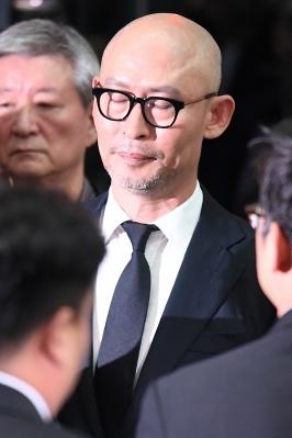 故 김주혁 발인, '두 눈 꼭 감은 김종도 대표'