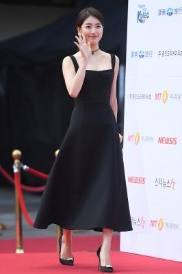 수지, '아름다운 모습으로 등장~' (AAA 시상식)