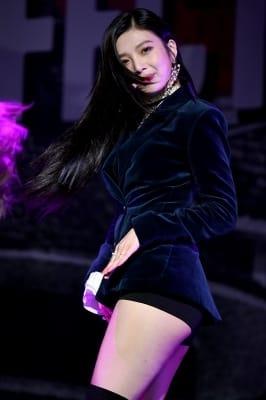 레드벨벳 조이, '긴 머리 날리며 우아하게~'