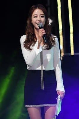 배지현, '예비신부의 사랑스러운 미소'