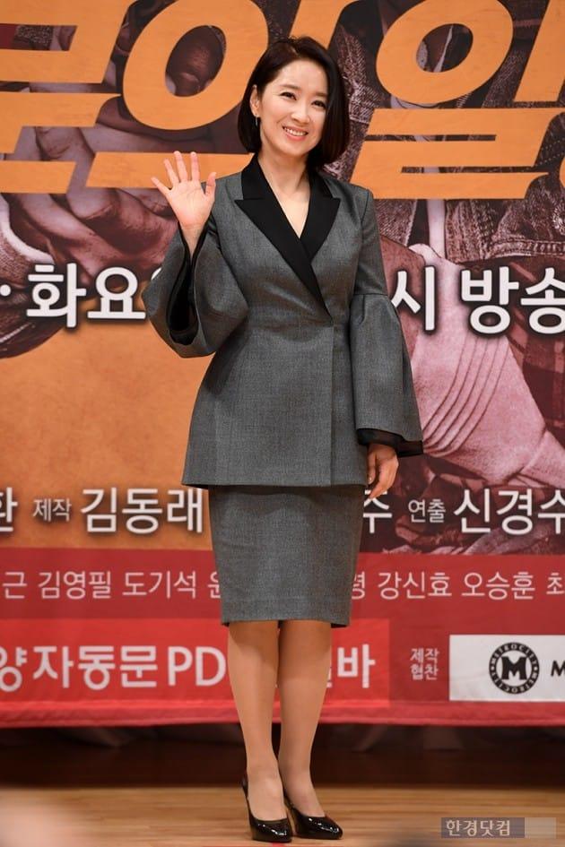 배우 윤유선  / 사진=최혁 기자