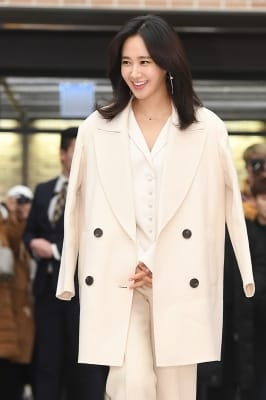 소녀시대 유리, '환한 미소로 등장~'