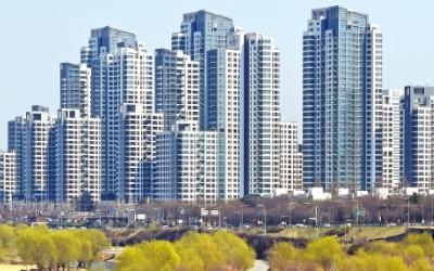 초기 재건축·신축·중대형이 급등 주도…'한강 조망' 반포 석 달새 4억 뛴 31억