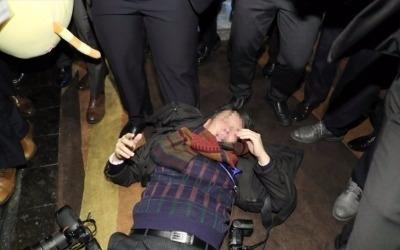 중국 경호원, 문재인 대통령 訪中 한국 취재기자 집단 폭행 '일파만파'