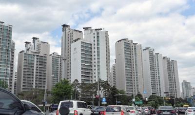 10만명이 거주하는 지역 중소도시에 한해 들어설 적정 아파트 규모는
