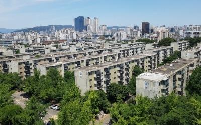 강남 아파트 4억 오를 때…창원은 1억 '뚝'