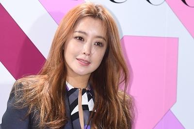 김희선, '아름다운 모습에 시선강탈~'