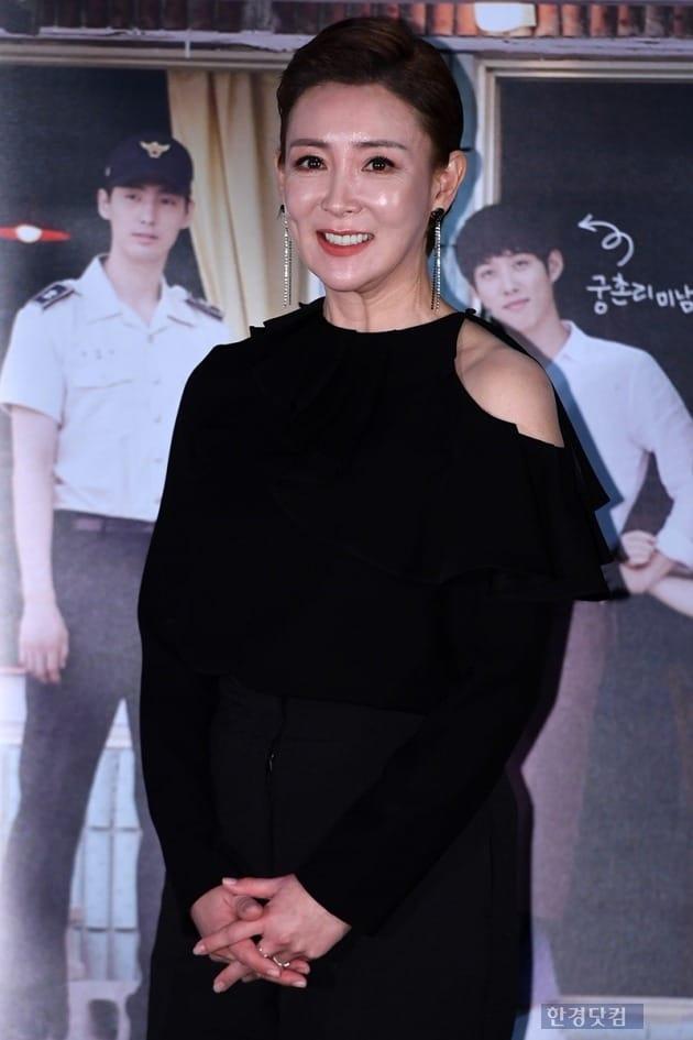 '스타박스 다방' 이상아, 세 번째 이혼 후 스크린 복귀