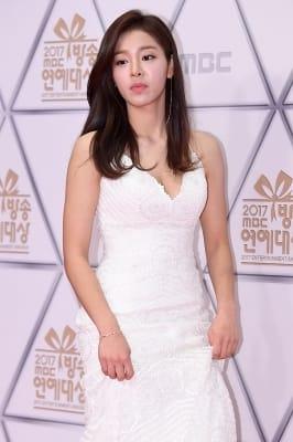 설인아, '아름다운 모습에 시선강탈~' (MBC 방송연예대상)