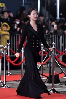 류화영, '올 블랙으로 시크하게'(KBS 연기대상)