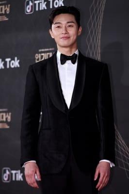 박서준, '여심 저격 미소'(KBS 연기대상)