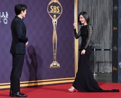지성-이보영, '레드카펫에서 만난 부부' (SBS 연기대상)