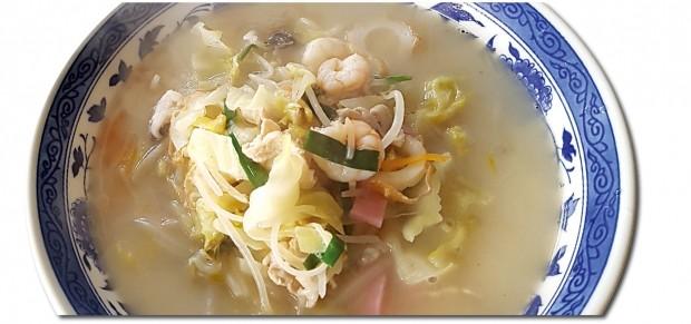 ◀짬뽕은 중국인이 일본에 들여와 나가사키현을 비롯한 일본인의 입맛을 사로잡은 국민음식이다.