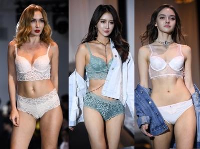 속옷 모델들의 숨막히는 자태