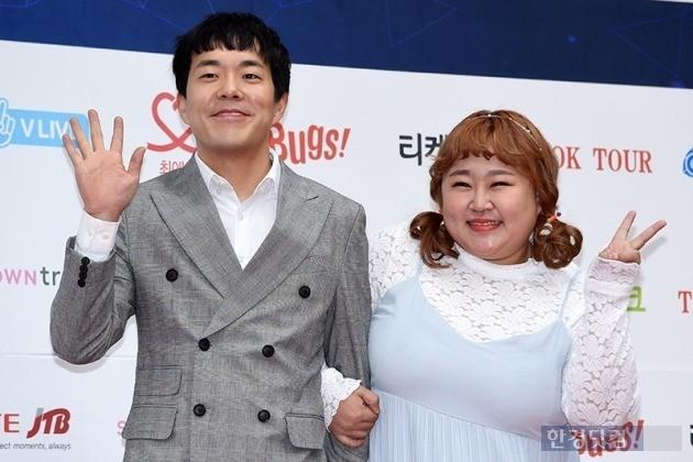 김민기 홍윤화 / 한경DB