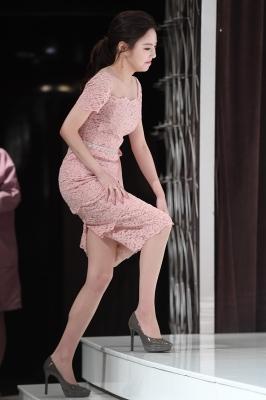 이열음, '핑크빛 원피스 입고 우아하게 등장~'