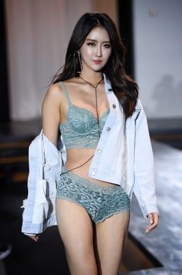레이싱모델 유다연, '란제리 여신 등극'