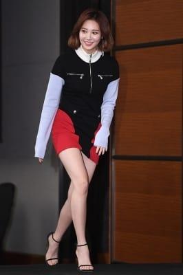 걸스데이 유라, '늘씬한 각선미 뽐내며 등장~'