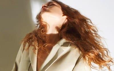 로샤스 '리조트 컬렉션'… 때깔이 다른 레드·샤프란 옐로색의 우아함